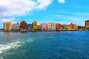 Curacao - Bunte Häuser und weiße Strände