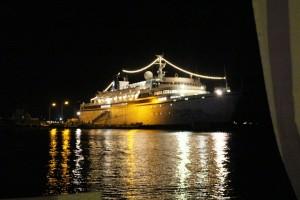 Blick auf die Kreuzfahrtschiffe