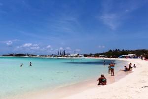 Aruba überzeugt durch warmes Klime und weiße Sandstrände